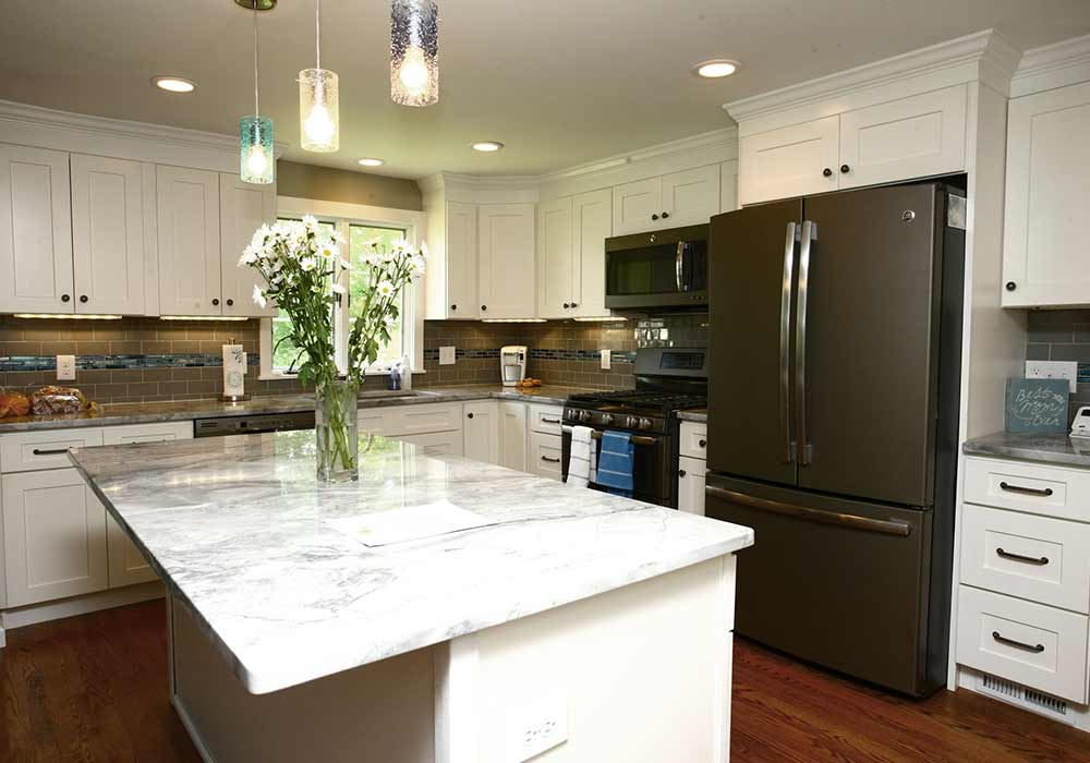 A finished kitchen remodeled by Home Sweet Home, remodeling contractor.