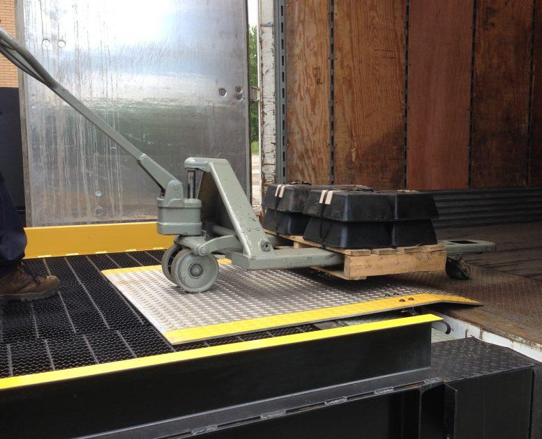 load on mobile dock plate